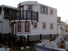 Tiny Cottage Houseboat – Floating Barge Home