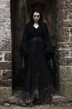 Morgana (black coat)
