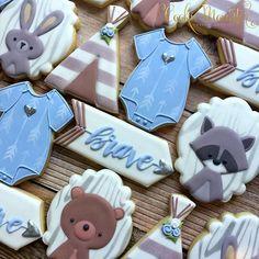 Sweet woodland baby shower cookies. These were hard to part with  #babyshowercookies #woodlandcookies #cookiemomster