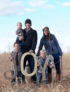 large family picture ideas | ... is a really clever Christmas card idea for a family that is expecting