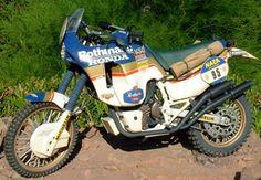 Honda NXR 750 de 1986 NXR 750 V 74cv 185kg 190.km/h Cyril Neveu
