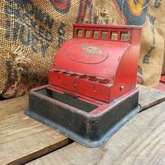 Old+Red+Metal+Toy+Cash+Register+-+Vintage+Metal+Toy+With+Brass+Register+%26%2339%3BKeys%26%2339%3B