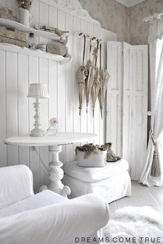 White shabby chic  ~ lovingly repinned by www.skipperwoodhome.co.uk