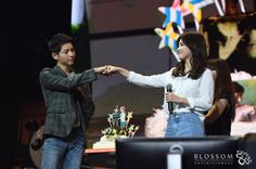 Song Joong Ki's China Fan Meeting Lights Up Descendants of the Sun Fans with Song Hye Kyo Joint Appearance | A Koala's Playground