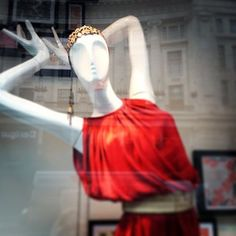 Love this embellished headband in on Window Displays, Ballet Skirt, Street, Skirts, Fashion, Moda, La Mode, Roads, Skirt