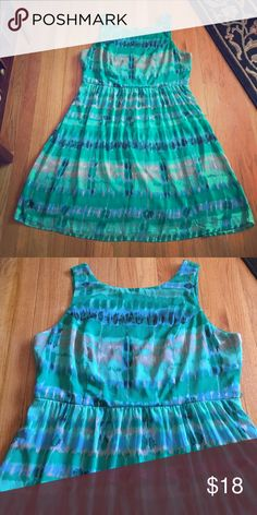Dress Barn green dress Dress Barn dress. Fully lined. Full back zipper. Pictures do not do this dress justice. Size 16 16 W. Has belt loops. Doesn't come with belt. No trades. Dress Barn Dresses