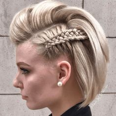 15 Cool and Easy Braids Hairstyles for Short Hair - Hair Prom Hairstyles For Short Hair, Side Braid Hairstyles, Cool Hairstyles, Bob Hairstyle, Pompadour Hairstyle, Casual Hairstyles, Teenage Hairstyles, Hairstyles Videos, Braid Hairstyles