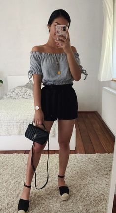 Pin by Zuleyma Guevara on Ropa in 2019 Cute Outfits With Jeans, Cute Casual Outfits, Pretty Outfits, Stylish Outfits, Casual Ootd, Girly Girl Outfits, Teenager Outfits, Mode Ootd, Fashion Mode