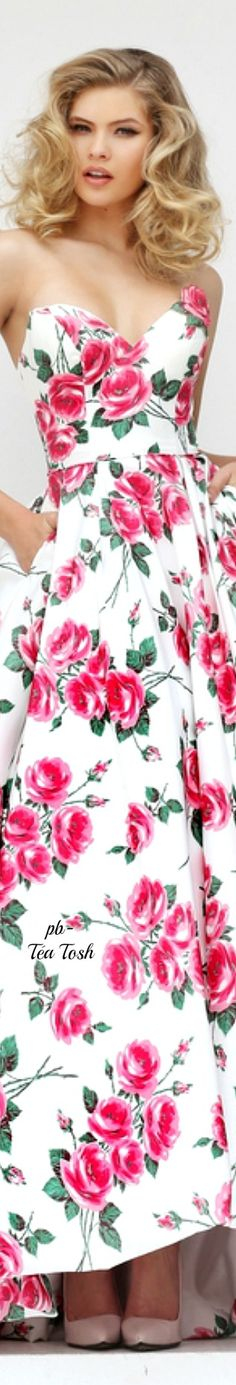 This is a really cute and beautiful dress I like this dress and I holo that you like it for real 👌🖒😆☺ Accessorize Fashion, Floral Fashion, Fashion Design, Lisa, Spring Summer Fashion, Spring 2016, Summer 2016, Spring Time, Vintage Inspired Dresses