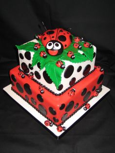 Ladybug Cake Photo:  This Photo was uploaded by cakerygirl. Find other Ladybug Cake pictures and photos or upload your own with Photobucket free image an...