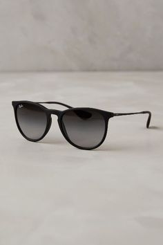 Ray-Ban Round Sunglasses - www.anthropologie.com/anthro/index.jsp #anthrofave