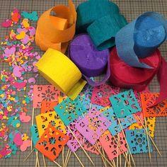Colorful Papel Picado Cupcake Toppers #cupcakes #cupcaketopper #cake #fiesta #confetti #papelpicado
