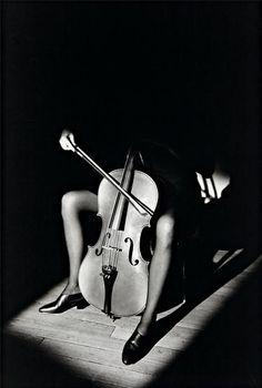 JEANLOUP SIEFF, Cello Player (1984)