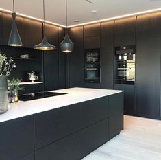 The kitchen that is top-notch white kitchen , modern kitchen , kitchen design ideas! Luxury Kitchen Design, Kitchen Room Design, Kitchen Layout, Home Decor Kitchen, Interior Design Kitchen, Kitchen Designs, Kitchen Ideas, Eclectic Kitchen, Black Kitchens