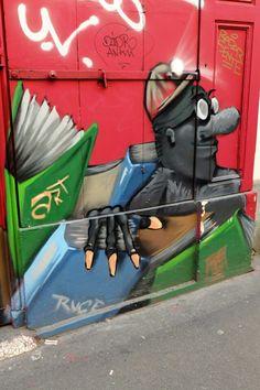 Paris 18 - rue la vieuville - street art