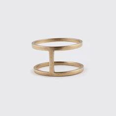 14Y777 web. 10k gold ring by Hilary Druxman. Modern jewelry. Canada.