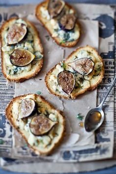 Fig, Gorgonzola & Honey Tartines By Tartelette #fig #gorgonzola #tartines #tarteletteblog
