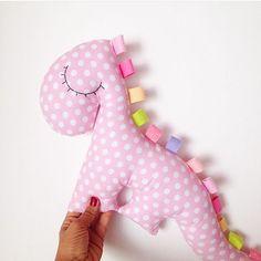 Io l'adoro  by @laragazzadellosputnik ❤️❤️❤️ #handmade#fattoamano#tutorial#fimo#crochet#mamme#sewing#sew#riciclo#riciclocreativo#creatività #craft#crafter#artigianato#diy#passoapasso#paper#mammecreative#creativemamy#recycle#knit#felt#pannolenci#denim#jeans#artesanato#sew#natal#natale#christmas#noel.