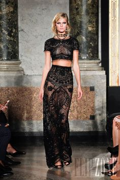 Emilio Pucci - Ready-to-Wear - Spring-summer 2012 - http://en.flip-zone.com/fashion/ready-to-wear/fashion-houses-42/emilio-pucci-2891 - ©PixelFormula