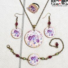 ست زیورآلات مینو: جهت آگاهي از جزئيات اين محصول و چگونگي خريد آن، لطفا به فروشگاه اينترنتي صنايع دستي من و هنر مراجعه فرماييد. www.manohonar.com Pendant Necklace, Jewelry, Jewlery, Jewerly, Schmuck, Jewels, Jewelery, Drop Necklace, Fine Jewelry