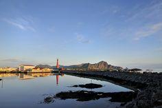 Mitternachtssonne und komplette Windstille bei Andenes. Andenes ist der nördlichste Punkt der Norwegischen Landschaftsroute Andøya. Foto: Steinar Skaar