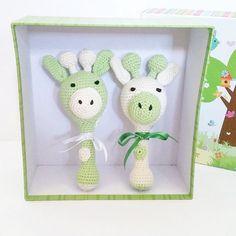 Baby rattle Giraffe rattle Baby toy Clutch toy by EllyCrochet Giraffe Toy, Baby Shower Giraffe, Baby Shower Themes, Baby Shower Gifts, Baby Toys, Baby Baby, Sensory Toys, Baby Rattle, Natural Baby