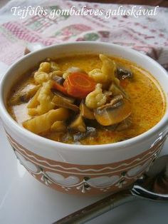 Tejfölös gombaleves galuskával Croatian Recipes, Hungarian Recipes, Hungarian Food, Soup Recipes, Cooking Recipes, Just Eat It, No Cook Meals, Soups And Stews, Love Food