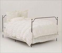 Bedding_cirrus