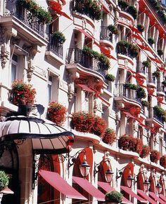 Hotel Plaza Athenee in Paris