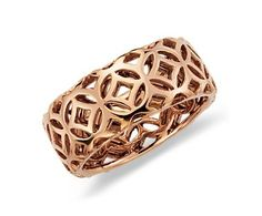 Rose gold. Want for my middle finger, right hand...