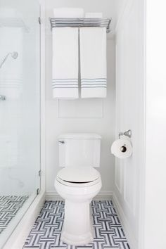 Magazines will never show you a toilet. I think that's hilarious and silly. I mean look at what a beauty this one is.