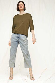 Drykorn Damen Shirt Kaori Olive | SAILERstyle Trends, Shorts, Designer, Normcore, Tops, Fashion, Hot Pink Fashion, Clothing, Cotton
