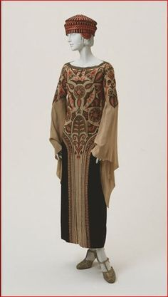 Paul Poiret, Embroidered Afternoon Dress, French, 1923. (Expanded View)