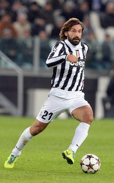 Fifa Football, World Football, Andrea Pirlo, Juventus Fc, Vintage Football, Arsenal Fc, Uefa Champions League, Football Players, Messi