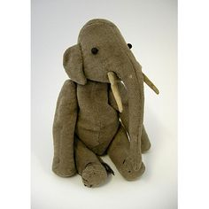 I soooo want to give my daughter an elephant teddy