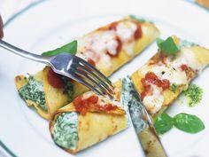 Wir lieben italienisches Essen einfach! Gefüllte Crêpes auf italienische Art - smarter - Zeit: 1 Std.  | eatsmarter.de