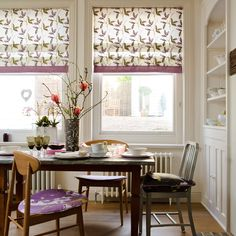 http://www.housetohome.co.uk/articles/How_to_make_a_patterned_Roman_blind_265048.html