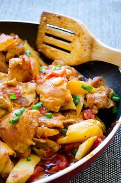 Chicken and Potatoes with Tomato Sauce will become your favorite dish of all time. Everything is cooked just in one skillet. | giverecipe.com | #chicken