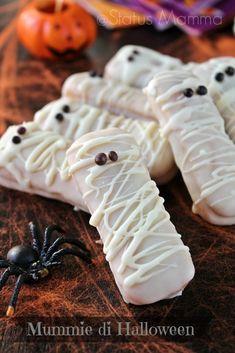 Risultati immagini per ideer halloween fest Halloween Snacks For Kids, Halloween Carnival, Halloween Cookies, Halloween Treats, Halloween Dinner, Halloween 2020, Cake Decorating Courses, Cake Decorating For Beginners, Cookie Decorating