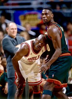 Michael Jordan and Shawn Kemp (Seattle Sonics) Basketball Pictures, Love And Basketball, Sports Basketball, Sports Pictures, Basketball Players, Basketball Stuff, Sports Images, Basketball History, Basketball Legends