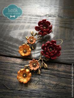 Цветочные серьги веточки из полимерной глины бордовые. Handmade.
