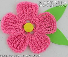 Large Petal Crochet Flower - Free pattern plus video by Naztazia.