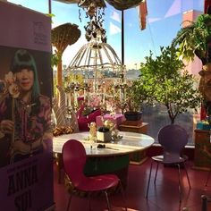 A look back at the whimsically beautiful decor of Zandra Rhodes's loft in London for the announcement of #TheWorldofAnnaSui. Love her unique aesthetic and imagination! xxx Anna