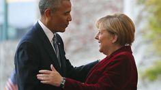 Barack Obama umarmt Angela Merkel beim Deutschland-Besuch des US-Präsidenten