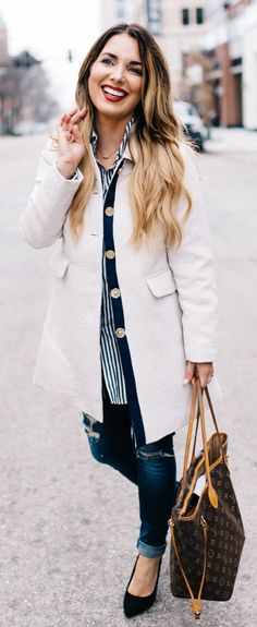 #winter #fashion /  White Coat / Destroyed Skinny Jeans / Brown Tote Bag / Black Pumps