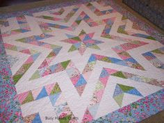Busy Hands Quilts: Finished in 5 Days - King Size Sparkle Plenty in Dogwood Trail Big Block Quilts, Star Quilt Blocks, Star Quilts, Colchas Quilting, Quilting Projects, Quilting Designs, Quilting Ideas, Jelly Roll Quilt Patterns, Star Quilt Patterns