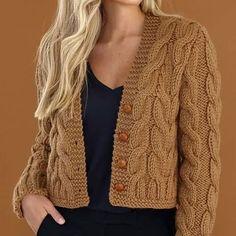 Knitting Patterns Cardigan Alpaka – we knit beautiful things. Chunky Knitting Patterns, Knitting Stitches, Knitting Designs, Beginner Knitting, Crochet Patterns, Knit Cardigan Pattern, Chunky Knit Cardigan, Crochet Cardigan, Grey Sweater