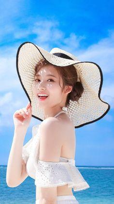 Sana-Twice 181229 Happy Birthday✨ Kpop Girl Groups, Korean Girl Groups, Kpop Girls, Poses, Sana Cute, J Pop, Chica Fantasy, Sana Minatozaki, Twice Kpop