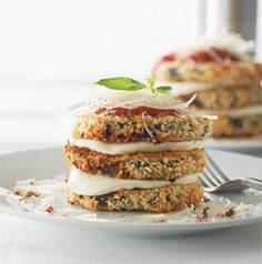 Caprese-Style Eggplant Stacks might just be the prettiest dinner for 2 you'll see in awhile. The breaded eggplant is baked, not fried, so you won't mess up your kitchen.