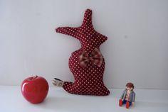 Lapin Chic Rouge à Pois par GodSavetheTeatime sur Etsy, €30.00